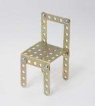 Модель стула из железного конструктора
